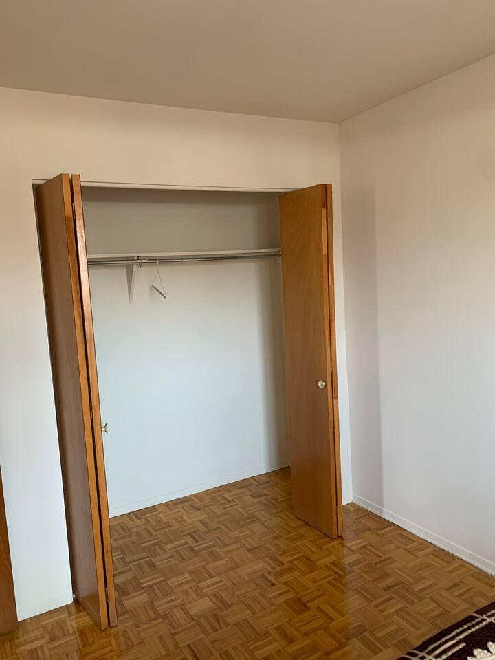 Belle chambre à louer dans un appartement rénové