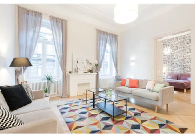 Magazine Featured 2 Bedroom Apt - Central Budapest