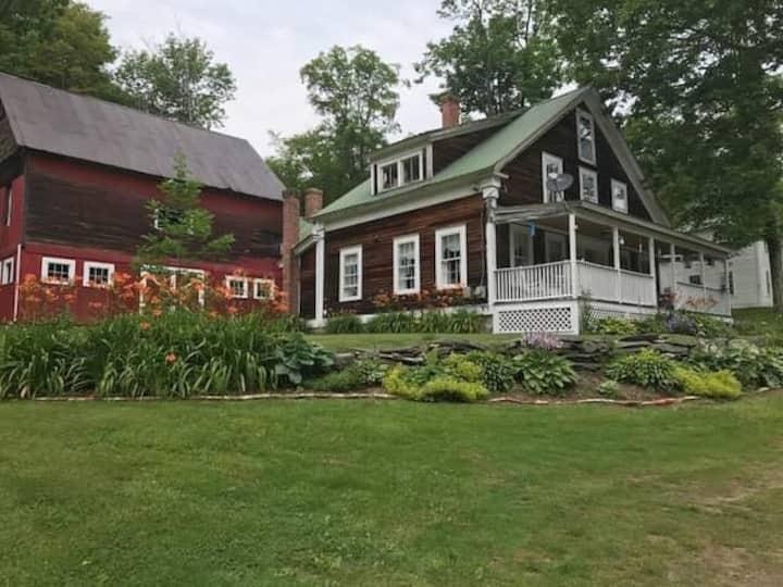 Historical home near AT/Long Trail/Ski fun!