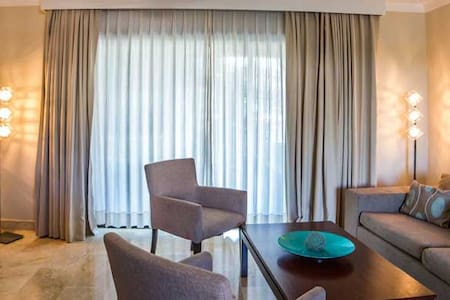 1 or 2 Bedrooms All inclusive Royal Suites - Cofresi - 아파트