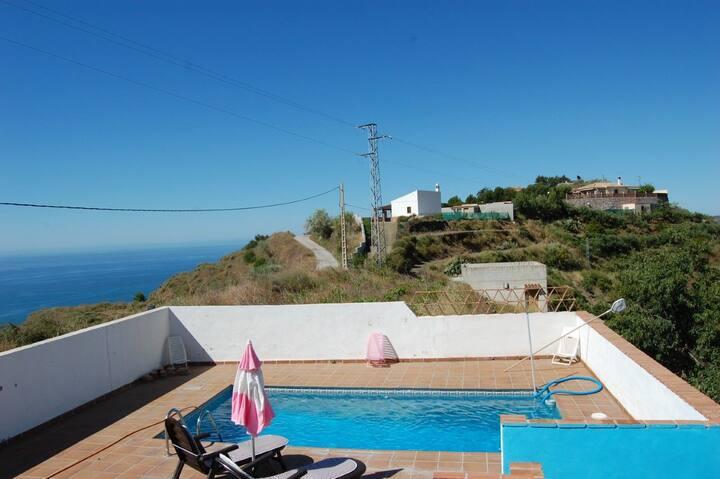 Bonita casa  privada con piscina mar y montaña