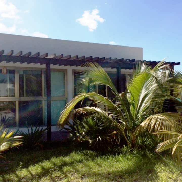"Beach front Villas ""NeverL4nd"". Casa Garza"