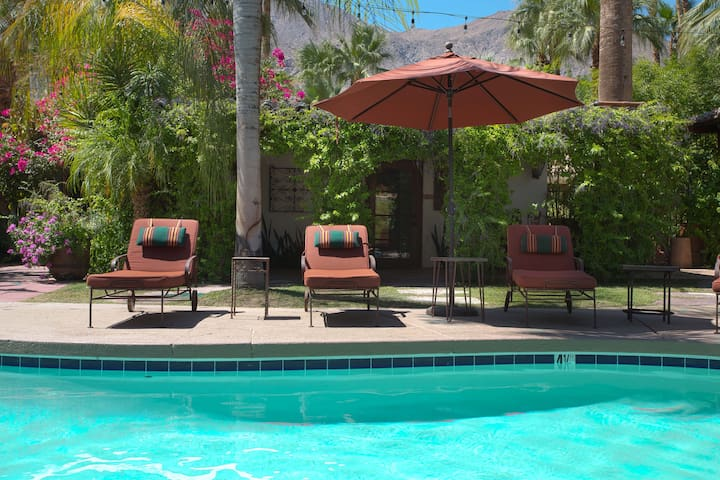 "Palm Springs Private Casita ""Antigua""- City permit - Palm Springs - Bungalow"