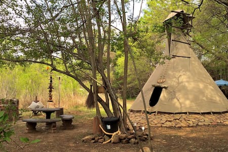 Lydenrust Teepee Tented Camp