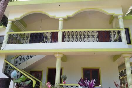 Familia Fernandes Room 2