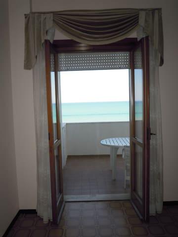 Incantevole appartamento vista mare!:) - Montesilvano - Apartment
