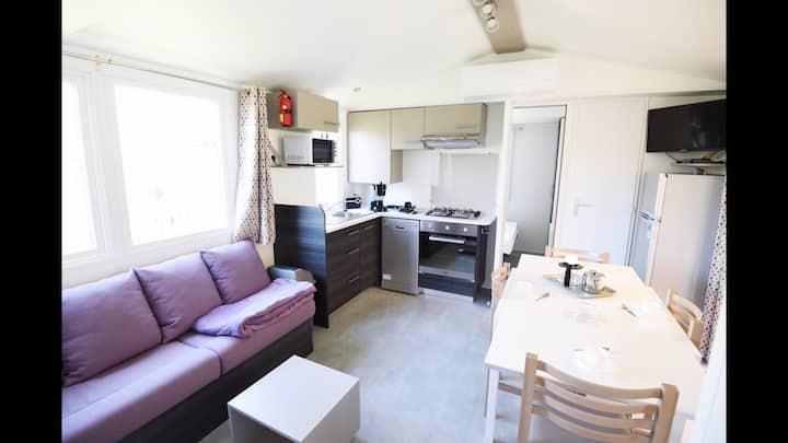Beau Mobil Home Climatisé tout confort Camping 4*
