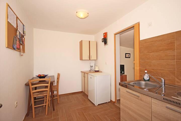 Studios Valkane / Studio apartment Valkane No. 1