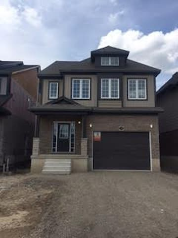 Brand New Detached Available for Short/LongTerm