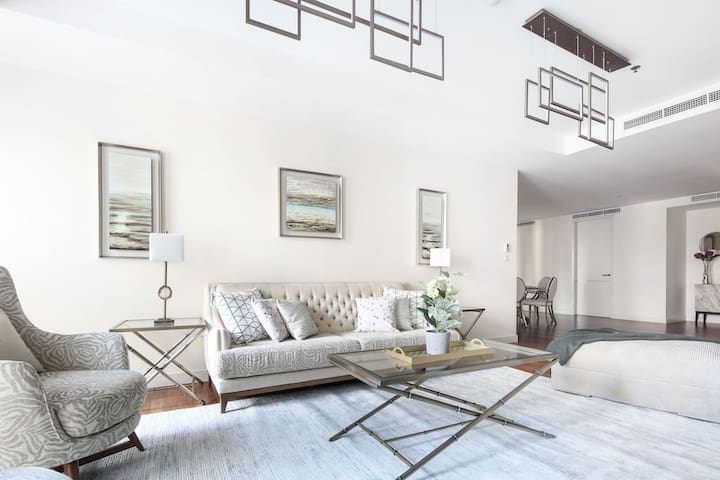 ★ Lavish and Luxurious Apartment in Limestone!
