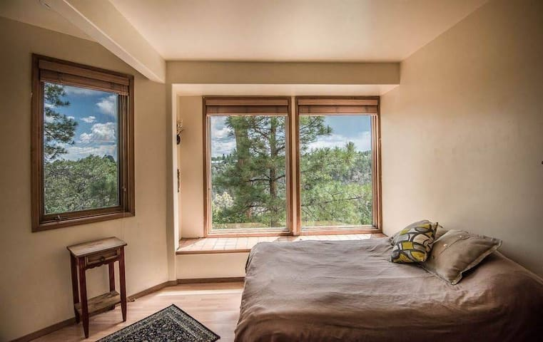 1 Bedroom with Canyon View for Stunning Getaway