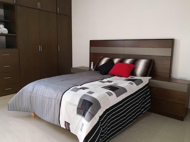 """Habitación """"Diego Rivera""""; confortable y acogedor."""