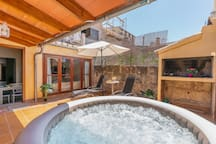S'Arraval: Nice house with terrace & jacuzzi