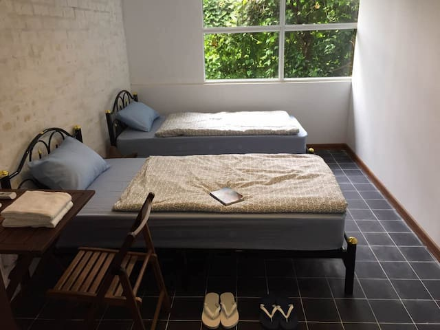 2 Single Bed Private Room~Roly Hostel