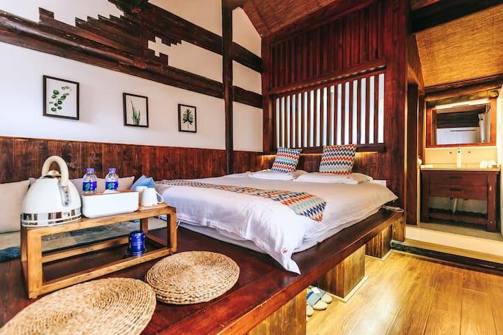 大理古城里位置很好、风景如画的白族小院中的一间客房,交通便利、提供旅游超详细攻略