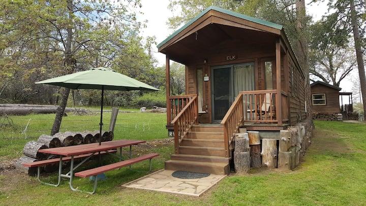 Bass Lake/Yosemite-Cabin Cottage E