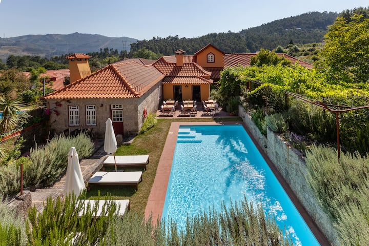 Charming villa w/pool for groups