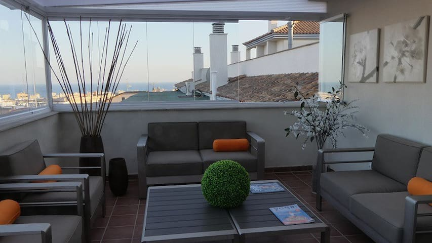 Penthouse 170 m2, large terrace, view city and sea - Estepona - Byt
