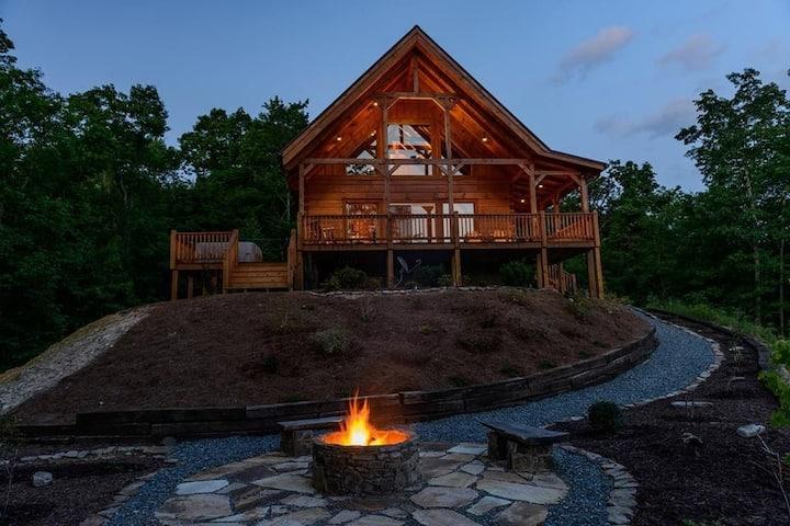 Beautiful Mountain Views - Blue Sky Cabin