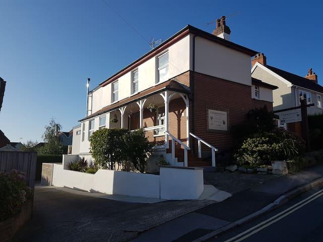 Superb Value B&B in the heart of Lyme Regis