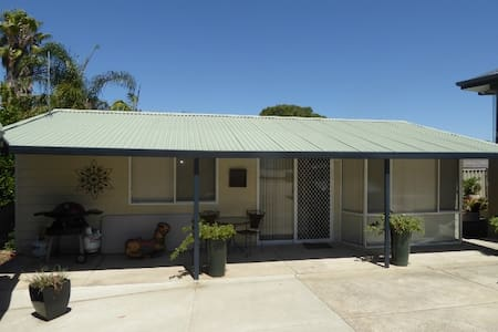 Self-contained, self-catering flat Attadale WA - Attadale