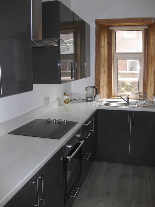 Kitchen - ceramic hob and oven