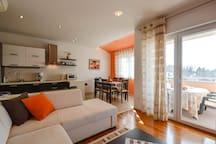 Apartment Djani