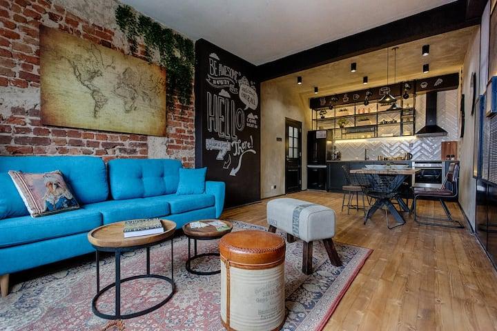 Top Centre Designer Luxury apartment