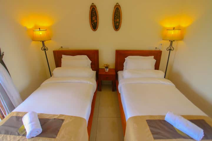 DeRose Guest House - Twin Beds - Canggu, Bali
