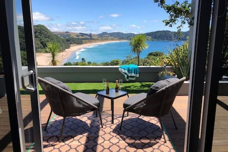 HotVue for 2 At Hot Water Beach