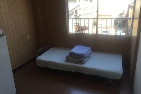 Cozy apartment 15mins from Tokushima st. - Tokushima-shi - Flat