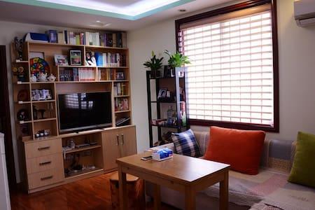 万达广场附近精装独立大房间—临近地铁、毗邻奥体、安静优雅