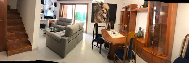 Habitación ideal para parejas o singles...