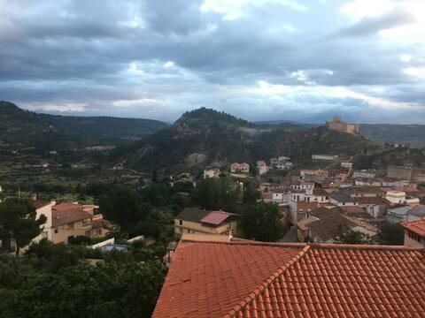 Ático con terraza y vistas en Enguídanos