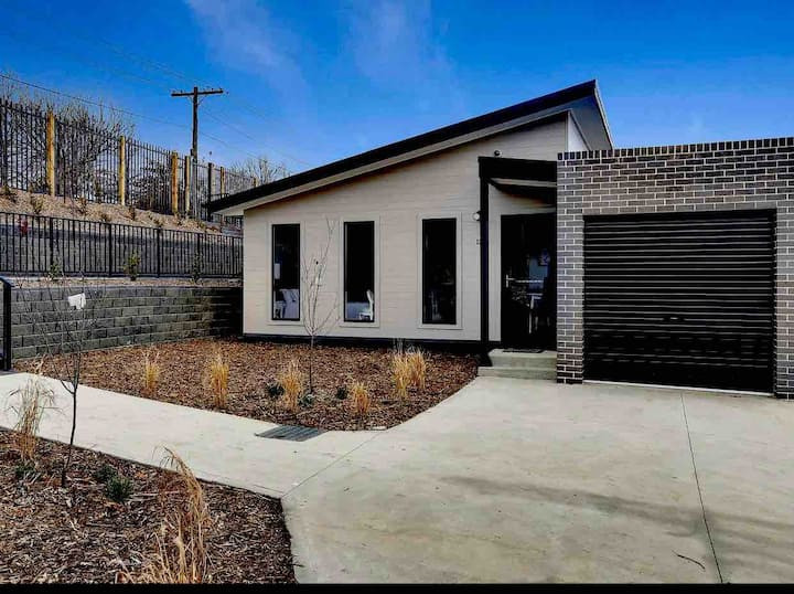 Villa 1  Brand new 3 bedroom villa in Lithgow