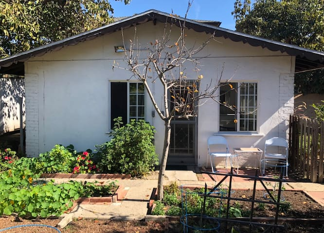 Downtown Culver City Garden Cottage