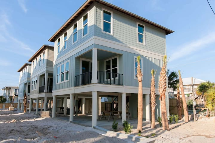 The Cottages at Romeo Beach 7-  FREE GOLF, FISHING, DVD RENTALS, WATERVILLE AND ESCAPE ROOM TICKETS! - Gulf Shores - House