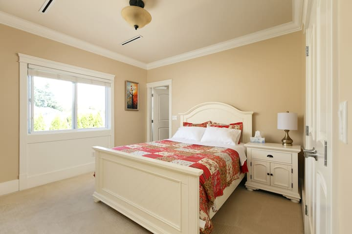 Queen Bedroom 2 with PRIVATE BATHROOM