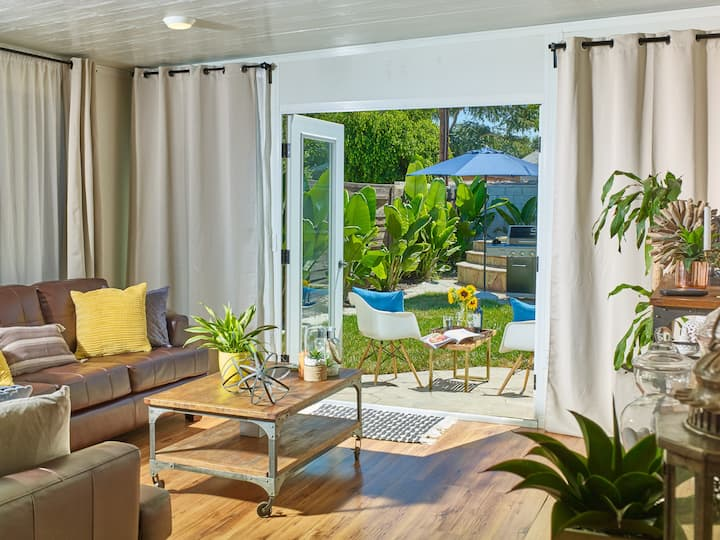 SoCal Private Clean Modern House Near Disney & LA!