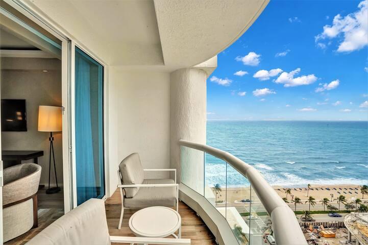 The Ocean Resort 712   Deluxe Intracoastal View King Studio