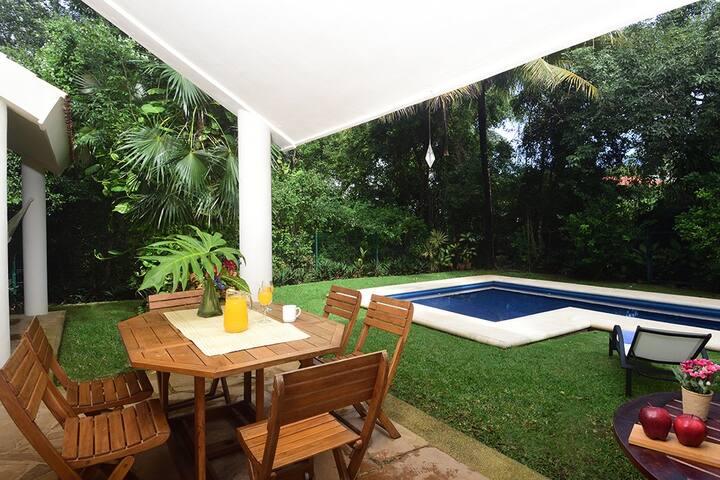 ★ANA'S VILLA Gated Playacar Private Pool ,Sleeps 8