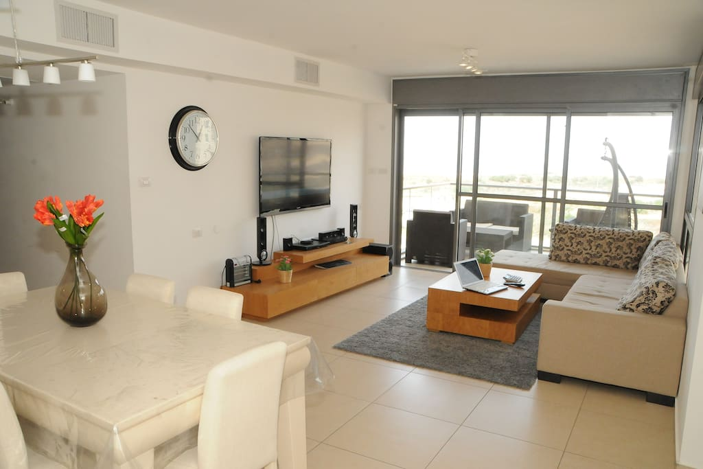 Big Living room with lot of space!! OCEAN FRONT YOU WILL BE SPEACHLESS