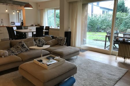 Spacious 2bedroom apartment with terrace - Kapellen - 아파트