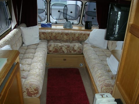 16 ft long self contained caravan