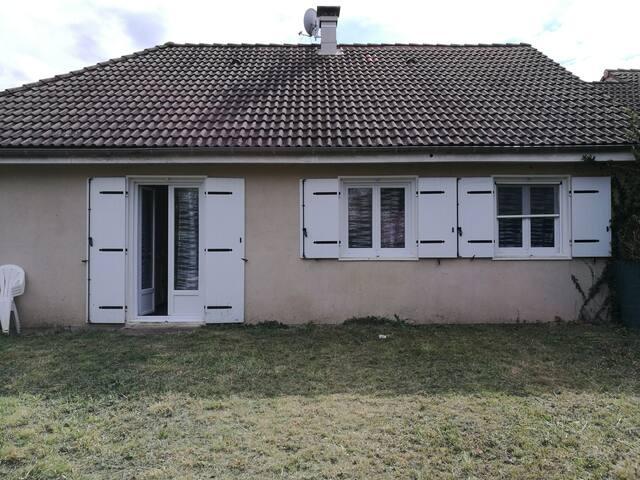 Maison en lotissement bayet