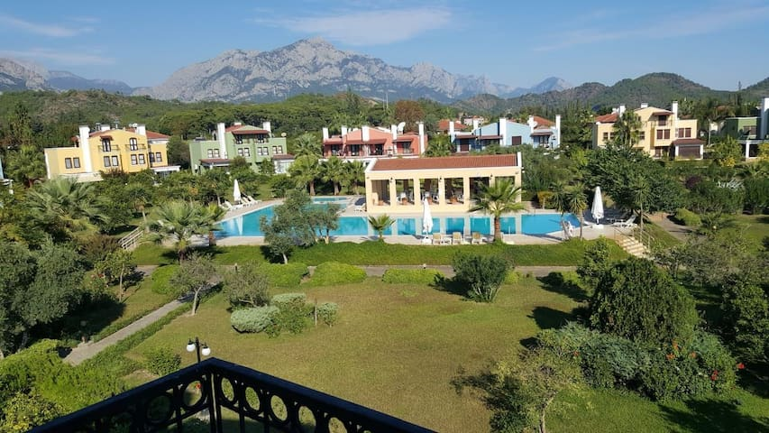 400 meters to the sea, 4 rooms Villa with pool...