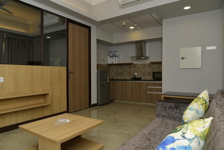 Room in serviced apartment