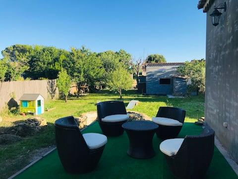 Grande chambre privée /Villa paisible grand jardin