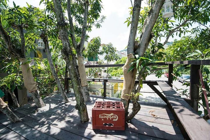 Green Koi Pond Tree House with BBQ - Puchong - House