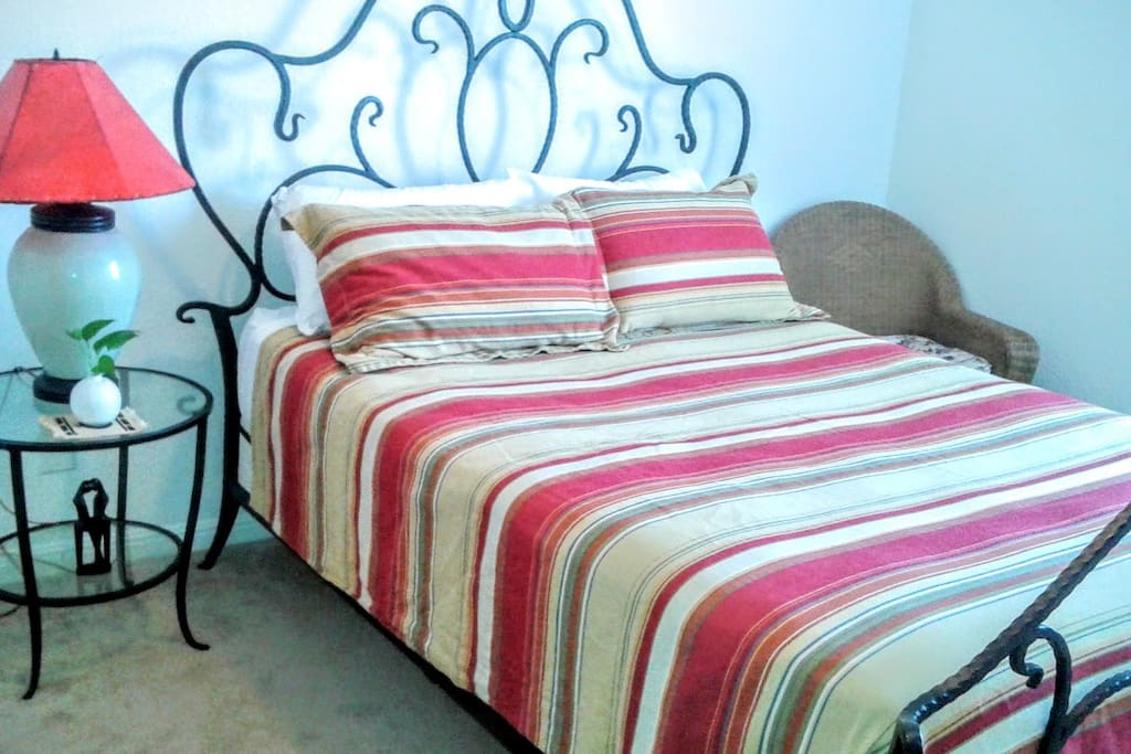 Bedroom - Queen Size Bed and Select Comfort Number Air Matress